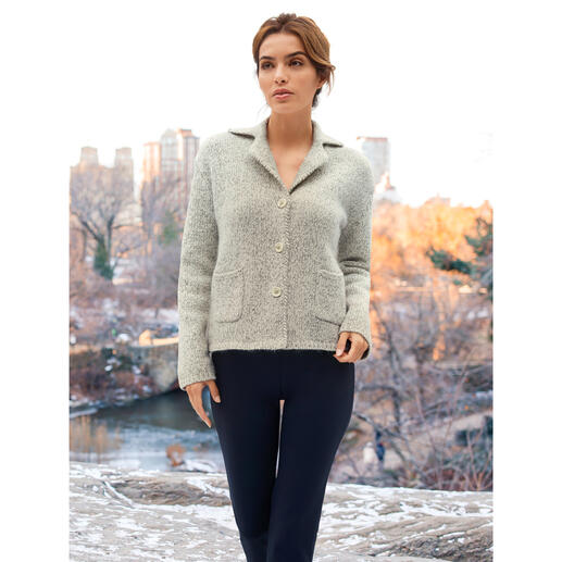 Carbery gebreide blazer Net zo aangenaam om te dragen als een gebreid vest – even verzorgd als een blazer.